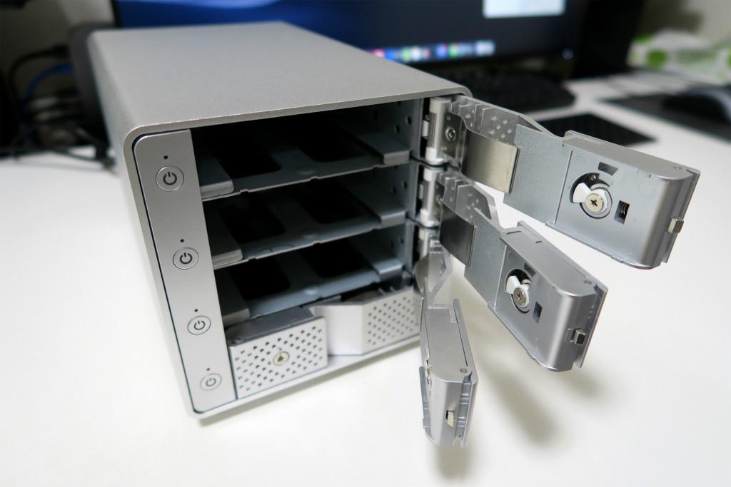 裸族のカプセルホテル USB3.1